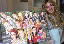 Ilustración grupal personalizada - Todos tus amigos colgados en la pared - Caricatura de grupo Personalizada - Testimonio 1