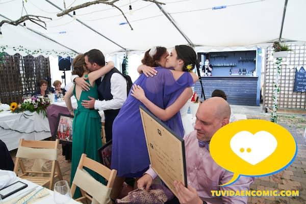 Regalo de boda personalizado - Ilustración personalizada - caricatura grupal - www.tuvidaencomic.com - regalos personalizados - regalos artísticos - TESTIMONIO CLIENTES SATISFECHOS 3